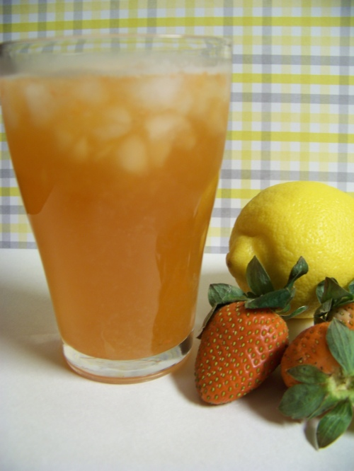 2013 refreshing strawberry lemonade